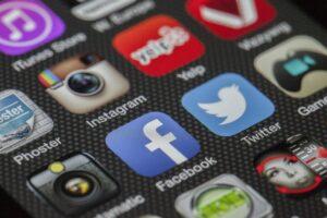Easily Share to Social Media using Links